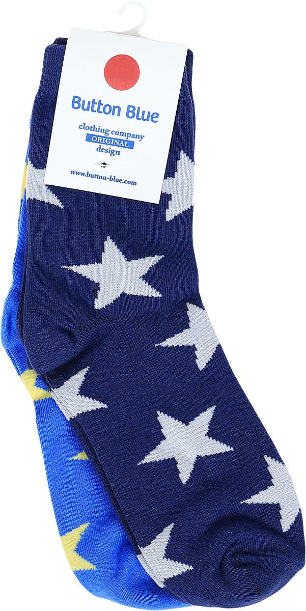Носки для мальчика Button Blue, цвет: темно-синий, 2 пары. 118BBBU85031001. Размер 22118BBBU85031001Чтобы надевать носки было приятно, а не только необходимо, можно купить детские носки для мальчика от Button Blue. Носки отличаются недорогой ценой, имеют удобную форму, на 80% состоят из хлопка и окрашены в приятные цвета. В комплекте находятся две пары с узором из звездочек: синие и голубые. Их можно сочетать практически с любой одеждой и обувью.