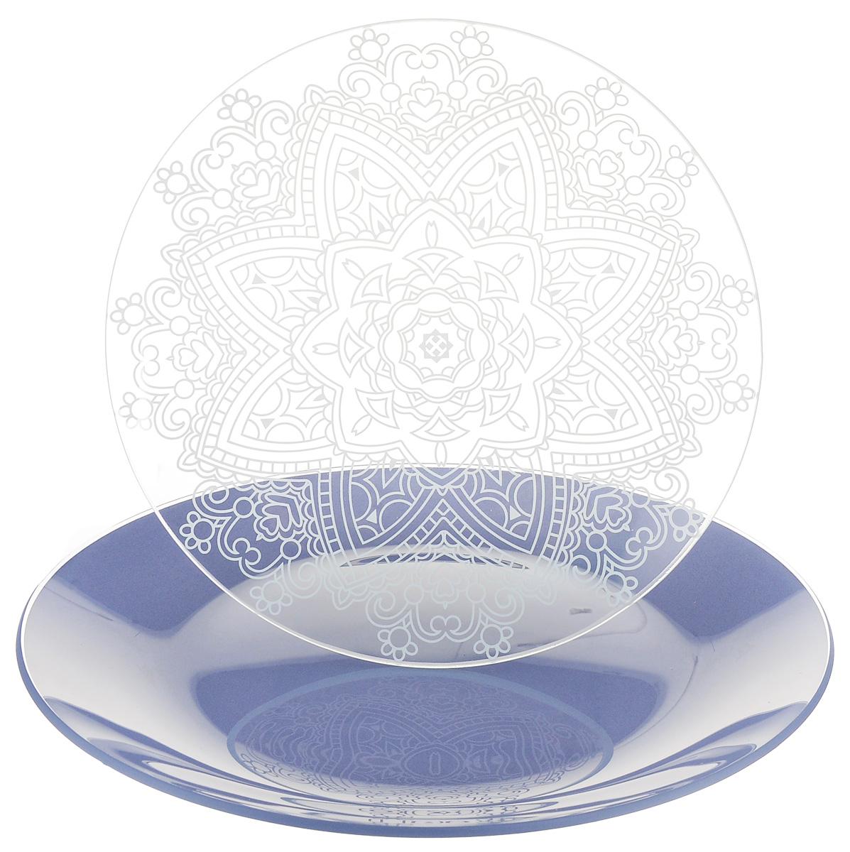 Набор тарелок NiNaGlass, цвет: голубой, диаметр 20 см, 2 шт. 85-200-148пс85-200-148псНабор тарелок NiNaGlass Кружево и Палитра выполнена из высококачественного стекла, декорирована под Вологодское кружево и подстановочная тарелка яркий насыщенный цвет. Набор идеален для подачи горячих блюд, сервировки праздничного стола, нарезок, салатов, овощей и фруктов. Он отлично подойдет как для повседневных, так и для торжественных случаев. Такой набор прекрасно впишется в интерьер вашей кухни и станет достойным дополнением к кухонному инвентарю.