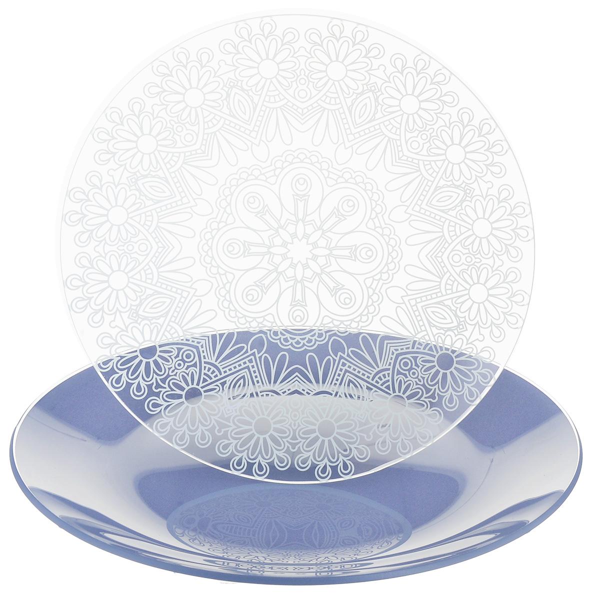 Набор тарелок NiNaGlass, цвет: голубой, диаметр 20 см, 2 шт. 85-200-146пс85-200-146псНабор тарелок NiNaGlass Кружево и Палитра выполнена из высококачественного стекла, декорирована под Вологодское кружево и подстановочная тарелка яркий насыщенный цвет. Набор идеален для подачи горячих блюд, сервировки праздничного стола, нарезок, салатов, овощей и фруктов. Он отлично подойдет как для повседневных, так и для торжественных случаев. Такой набор прекрасно впишется в интерьер вашей кухни и станет достойным дополнением к кухонному инвентарю.