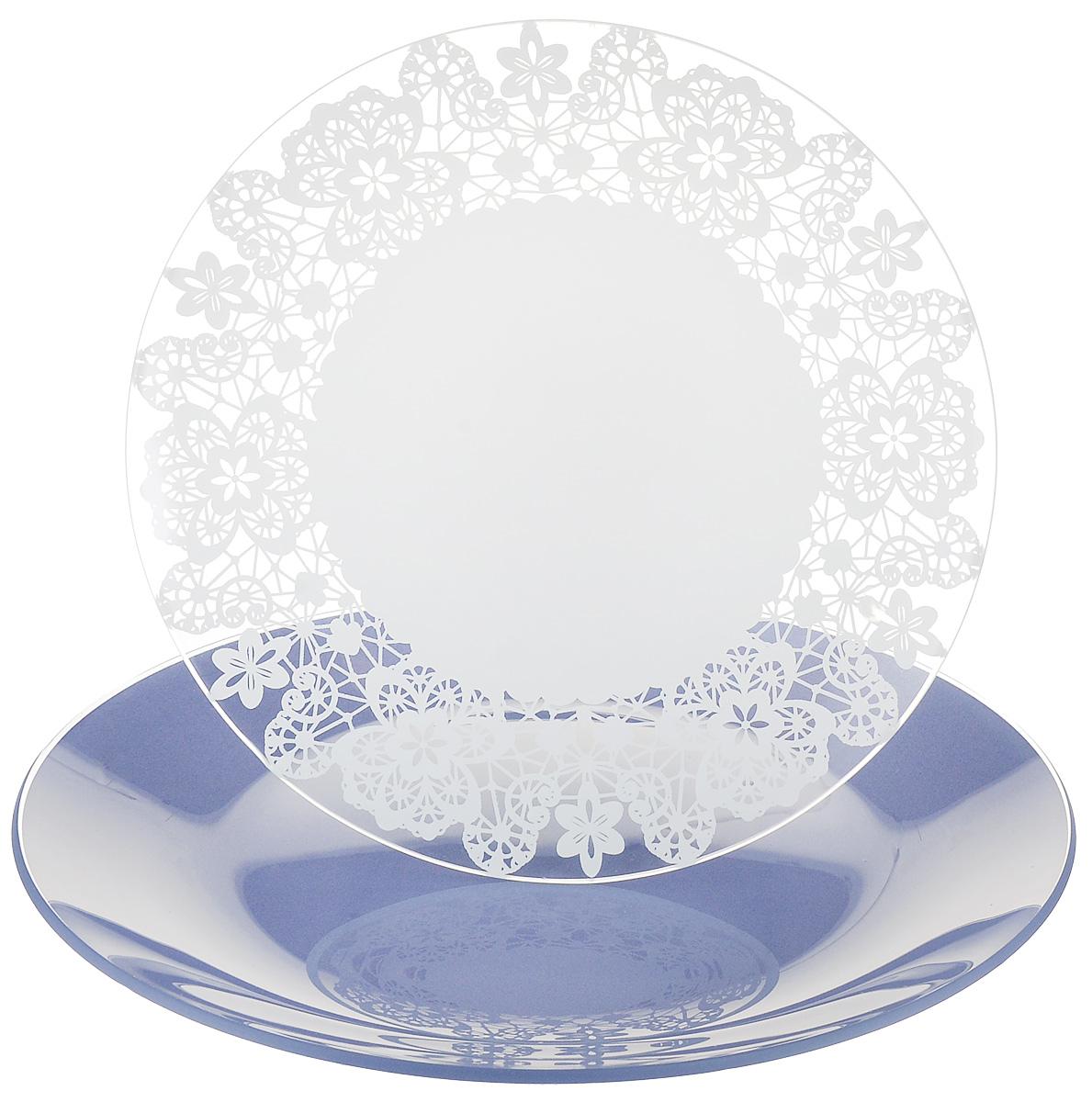 Набор тарелок NiNaGlass, цвет: голубой, диаметр 20 см, 2 шт. 85-200-142пс85-200-142псНабор тарелок NiNaGlass Кружево и Палитра выполнена из высококачественного стекла, декорирована под Вологодское кружево и подстановочная тарелка яркий насыщенный цвет. Набор идеален для подачи горячих блюд, сервировки праздничного стола, нарезок, салатов, овощей и фруктов. Он отлично подойдет как для повседневных, так и для торжественных случаев. Такой набор прекрасно впишется в интерьер вашей кухни и станет достойным дополнением к кухонному инвентарю.