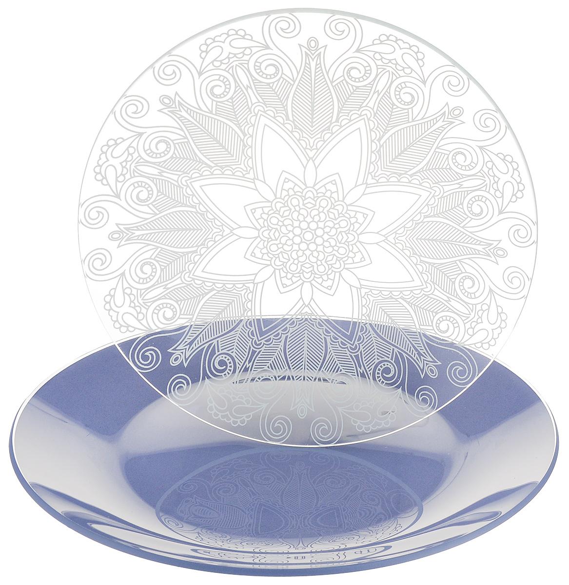 Набор тарелок NiNaGlass, цвет: голубой, диаметр 20 см, 2 шт. 85-200-145пс85-200-145псНабор тарелок NiNaGlass Кружево и Палитра выполнена из высококачественного стекла, декорирована под Вологодское кружево и подстановочная тарелка яркий насыщенный цвет. Набор идеален для подачи горячих блюд, сервировки праздничного стола, нарезок, салатов, овощей и фруктов. Он отлично подойдет как для повседневных, так и для торжественных случаев. Такой набор прекрасно впишется в интерьер вашей кухни и станет достойным дополнением к кухонному инвентарю.