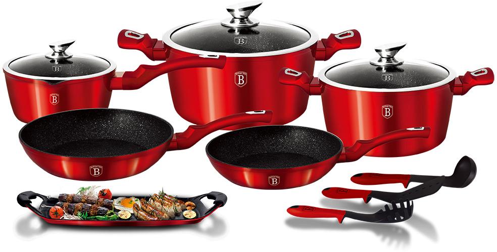 Набор посуды Berlinger Haus Metallic Line, цвет: красный, 14 предметов1695-BHНабор посуды состоит из 2 сковородок, 2 кастрюль с крышками, ковша с крышкой, плато- гриля, 2 силиконовых ручек и 3 нейлоновых кухонных принадлежностей. Предметы наборавыполнены из кованого алюминия с мраморным покрытием, а крышки - из высококачественногостекла. Равномерное распределение температуры по всей поверхности обеспечивает быстроеприготовление пищи. Изделия имеют эргономичные ручки с покрытием soft touch для болееудобной переноски. Подходит для всех видов плит: газовых, электрических, стеклокерамических, галогенных,индукционных. Диаметр сковороды: 22 см; 24 см. Высота стенки сковороды: 4,5 см; 4,8 см. Объем кастрюли: 2,5 л; 4,1 л. Диаметр кастрюли по верхнему краю: 20 см; 24 см. Высота стенки кастрюли: 10,4 см; 11,8 см. Объем ковша: 1,7 л. Диаметр ковша: 16 см. Высота стенки ковша: 7,5 см. Размер плато-гриля: 36 х 23 см.