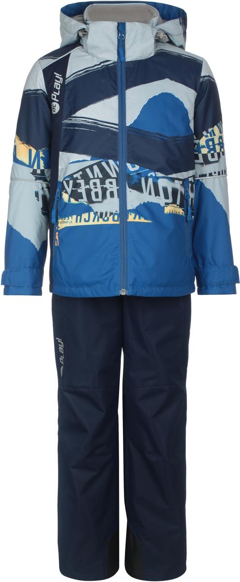 Комплект верхней одежды для мальчиков atPlay!: куртка, брюки, цвет: синий. 2su814. Размер 1282su814Комплект одежды для мальчика atPlay! состоит из куртки и брюк. Комплект изготовлен из водонепроницаемого, дышащего и ветрозащитного материала с покрытием Teflon от DuPont. Дышащая способность: 5000г/м и водонепроницаемость куртки: 5000мм. Пропитка материала предотвращает проникновение воды и грязи. В качестве наполнителя используется утеплитель нового поколения Shelter (80 гм2), который надежно сохраняет тепло.Куртка с воротником-стойка и съемным капюшоном застегивается на застежку-молнию. Капюшон крепится в куртке с помощью застежки-молнии и липучек. Манжеты рукавов оформлены широкими регулирующими хлястиками на липучках, которые предотвращают проникновение снега и ветра. Спереди модель дополнена двумя прорезными карманами на застежках-молниях, с внутренней стороны одним втачным карманом на молнии. Куртка оформлена ярким принтом.Брюки застегиваются в поясе на кнопку, липучку и ширинку на застежке-молнии. Изделие дополнено эластичными наплечными лямками с застежками-фастекс, регулируемыми по длине.