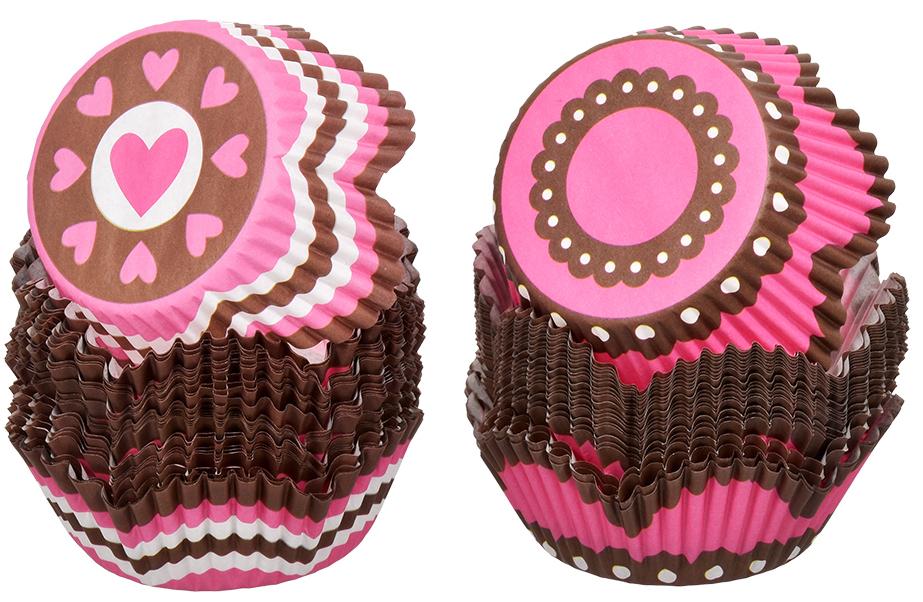 Набор форм для выпечки кексов Marmiton Фигурные, цвет: розовый, коричневый, 50 шт17053_розовый, коричневыйФормы для выпечки кексов Marmiton Фигурные изготовлены из пищевоготермостойкого пергамента и предназначены для выпечки и упаковки кондитерскихизделий. В наборе - 50 штук. Формы не требуют предварительной смазки маслом,жиром. Для одноразового применения. Изделия декорированы изображениямиразных фигур.Пригодны для использования в микроволновых, газовых иэлектрических печах.Диаметр по нижнему краю: 5 см. Диаметр по верхнему краю: 7 см. Высота формы: 3 см.Уважаемые клиенты! Обращаем ваше внимание на то, что упаковка может иметь несколько видов дизайна.Поставка осуществляется в зависимости от наличия на складе.