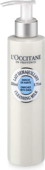 L`Occitane Очищающее Молочко Карите, 200 мл327876Масло карите – это натуральный бальзам, который используют женщины в странах Африки к югу от Сахары. С 1980-х годов компания LOccitane активно и весьма успешно сотрудничает с женщинами из Буркина-Фасо, производящими это масло. Очищающее молочко Карите с нежной и кремообразной текстурой идеально очищает и подходит для нормальной и сухой кожи. В его состав входят смягчающий экстракт карите и успокаивающий экстракт корня солодки. Средство полностью очищает кожу от макияжа. Кожа становится чистой, гладкой и нежной. Дерматологически протестировано. Ингредиенты: Масло карите, экстракт карите и олеин карите - СмягчаютАльфа-бисаболол и экстракт корня солодки - Успокаивают