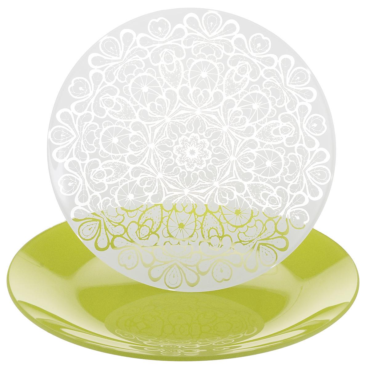 Набор тарелок NiNaGlass, цвет: зеленый, диаметр 20 см, 2 шт. 85-200-141з85-200-141зНабор тарелок NiNaGlass Кружево и Палитра выполнена из высококачественного стекла, декорирована под Вологодское кружево и подстановочная тарелка яркий насыщенный цвет. Набор идеален для подачи горячих блюд, сервировки праздничного стола, нарезок, салатов, овощей и фруктов. Он отлично подойдет как для повседневных, так и для торжественных случаев. Такой набор прекрасно впишется в интерьер вашей кухни и станет достойным дополнением к кухонному инвентарю.