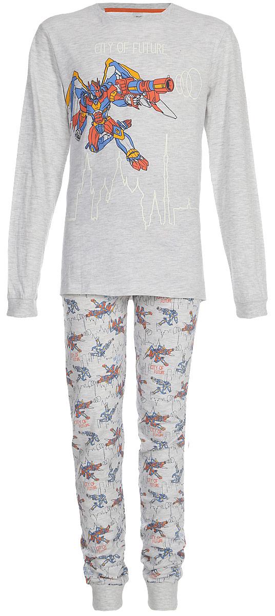 Пижама для мальчика Sela: футболка с длинным рукавом, брюки, цвет: светло-серый меланж. PYb-7862/3174-8131. Размер 104/110, 4-6 летPYb-7862/3174-8131Уютная пижама для мальчика Sela, состоящая из футболки с длинным рукавом и брюк, станет отличным дополнением к домашнему гардеробу. Пижама изготовлена из натурального хлопка и полиэстера, благодаря чему она приятна на ощупь и комфортна в носке. Футболка с длинным рукавом прямого кроя оформлена принтом. Брюки полуприлегающего кроя имеют пояс на резинке.