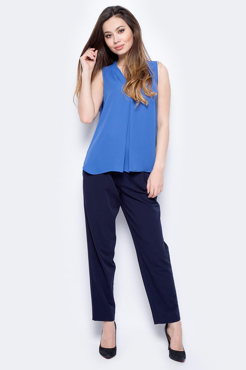 Блузка женская Sela, цвет: сапфировый. Twsl-112/805-8111. Размер 44Twsl-112/805-8111Стильная женская свободная блуза без рукавов с удлиненной спинкой, выполненная из 100% полиэстера, подчеркнет ваш уникальный стиль и поможет создать оригинальный женственный образ.