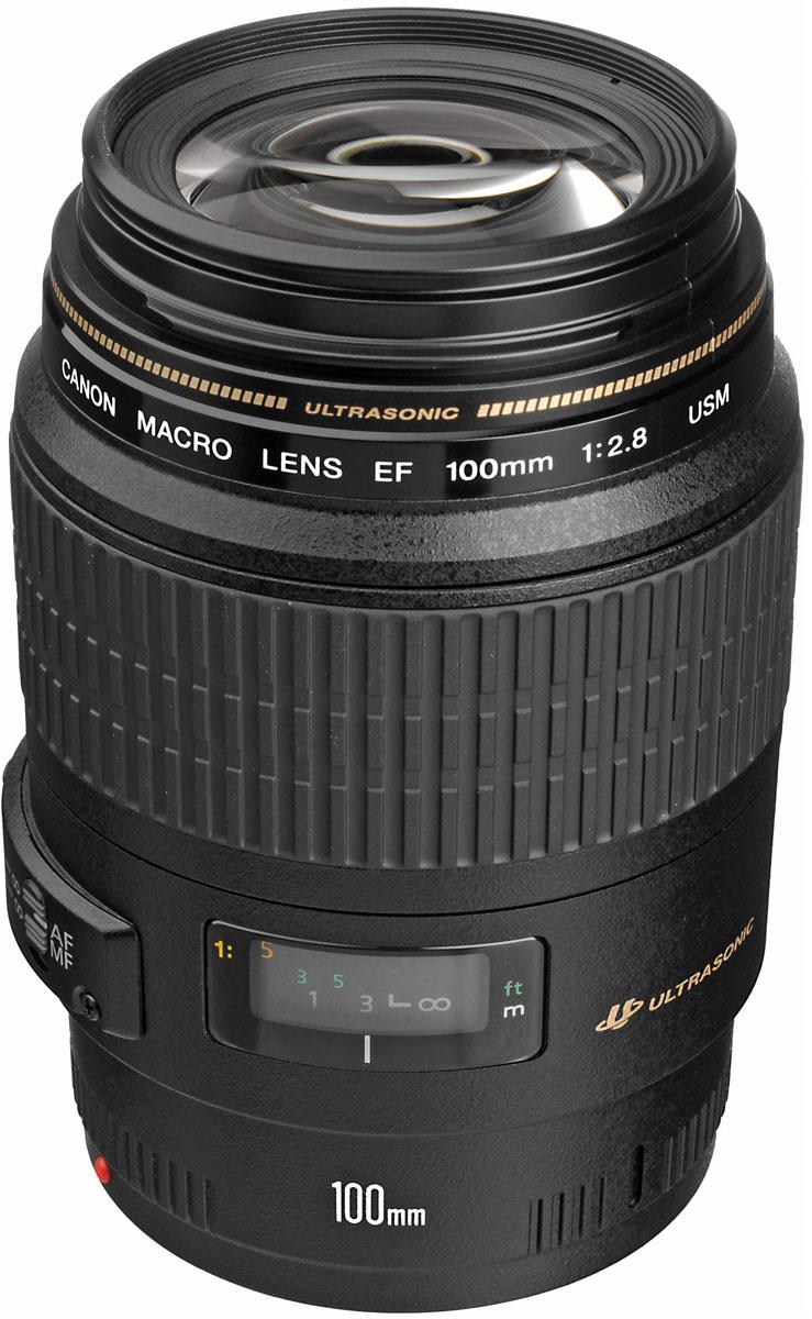Canon EF 100 mm f/2.8 USM Macro объективEF 100 mm f/2.8 USM MacroОбъектив Canon EF 100 mm f/2.8 USM Macro прекрасно подходит как для портретов, так и макросъемки при сохранении реальных размеров объекта.Благодаря восьми лепесткам диафрагмы имеется возможность размытия фона и выделения на нем объекта изображения. Объектив снабжен ограничителем фокусировки, переключая который можно ограничить фокусный диапазон и ускорить автофокус.Автофокус с ультразвуковым приводом кольцевого типа Canon использует вибрацию ультразвуковых частот для быстрой, точной и практически бесшумной работы. Ручная фокусировка возможна в любое время с помощью большого кольца, которое не вращается во время автофокусировки, это позволяет фотографу настраивать фокус постоянно.Покрытие Super Spectra обеспечивает точный цветовой баланс и высокую контрастность, а также позволяет уменьшить двоение изображения и блики благодаря поглощению света, отраженного от датчиков изображения и внутренних элементов объектива.