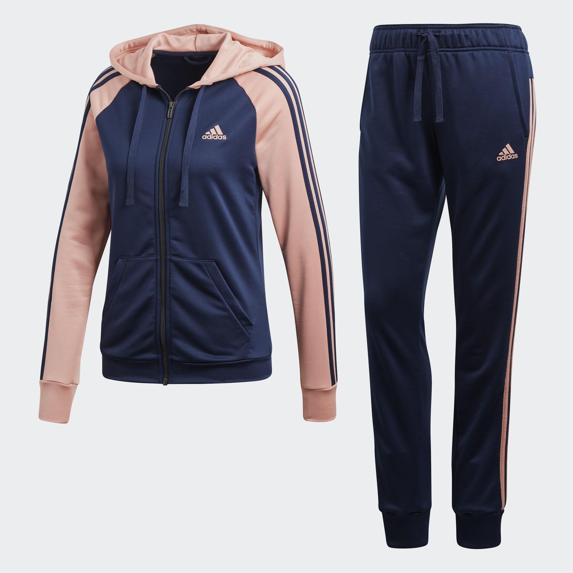 Спортивный костюм женский adidas Re-Focus Ts, цвет: синий, розовый. CE6793. Размер XXS (38)CE6793Женский спортивный костюм от adidas включает в себя толстовку и спортивные брюки. Толстовка с длинными рукавами и капюшоном застегивается спереди на молнию. Модель дополнена двумя прорезными карманами спереди. Манжеты дополнены широкой эластичной резинкой. Спортивные брюки имеют широкую эластичную резинку на поясе. По бокам - врезные карманы. Низ штанин дополнен мягкими манжетами.