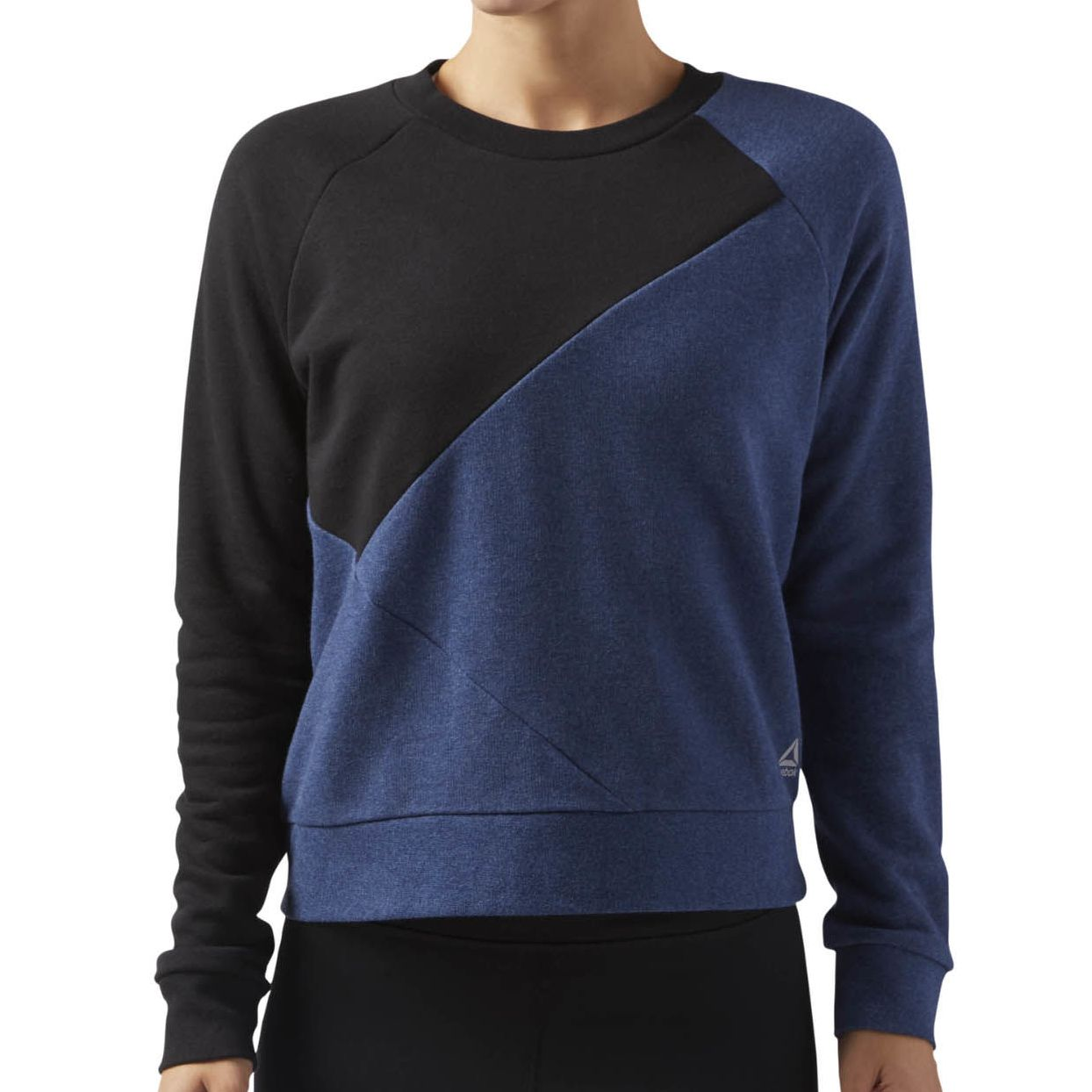 Свитшот женский Reebok Wor Cs Crew Sweat, цвет: черный, синий. CE4500. Размер L (/52)