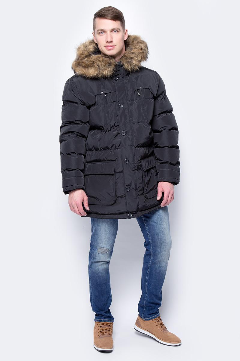 Куртка мужская Mustang Padded Parka, цвет: черный. 1002618-4142. Размер L (50)1002618-4142Утепленная мужская куртка Mustang Padded Parka выполнена из полиэстера. Модель с длинными рукавами и капюшоном застегивается на пуговицы. На капюшоне мех. По бокам и на груди куртка дополнена карманами.
