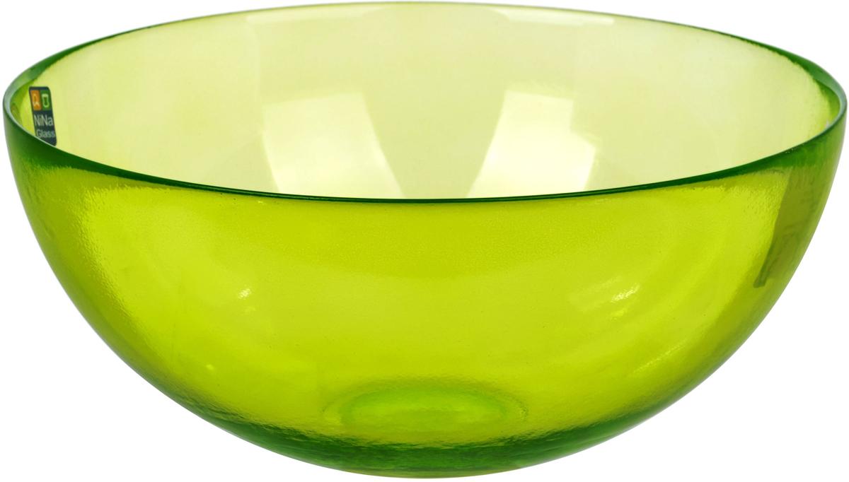 Салатник Nina Glass Лагуна, цвет: зеленый, диаметр 20 смNG83-054GСтеклянная посуда Никольского завода светотехнического стекла, известная под торговой маркой NinaGlass, успешно продается в российских магазинах. Продукция выглядит презентабельно, ассортимент весьма широк. Яркие, емкие, приятные тактильно салатники будут шикарно смотреться на обеденном столе. Салатники и блюда предназначены для сервировки стола. Пригодны для ежедневного использования.Цветные салатники и тарелки NinaGlass нельзя использовать в СВЧ и мыть в ПММ.