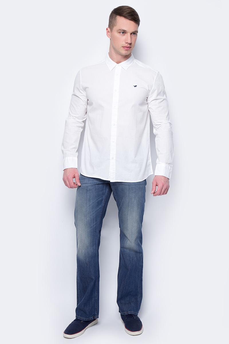 Рубашка мужская Mustang 1/1Slv_0/P_K, цвет: белый. 4602-4240-200. Размер XXL (54)4602-4240-200Мужская рубашка Mustang с длинными рукавами и отложным воротником изготовлена из натурального хлопка и оформлена небольшой вышивкой в виде логотипа бренда. Рубашка застегивается на пуговицы. Манжеты рукавов дополнены застежками-пуговицами.