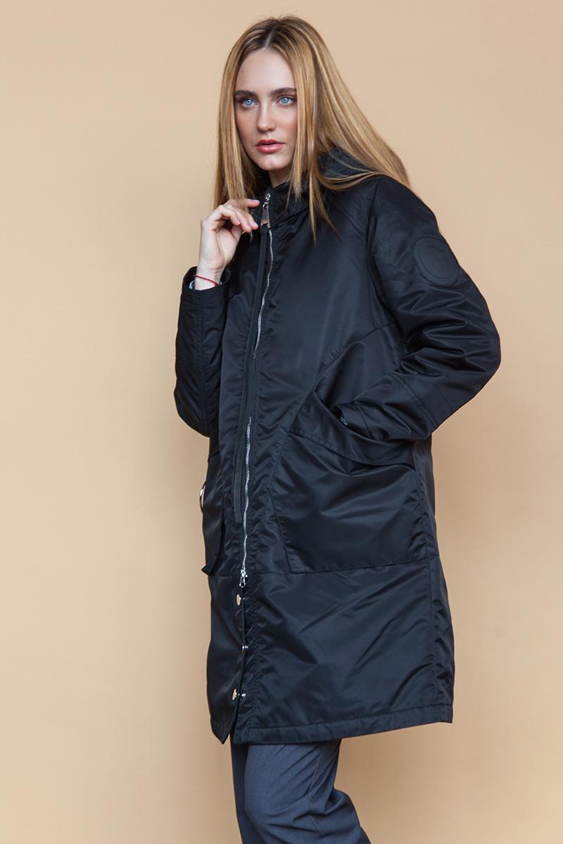 Куртка женская Clasna, цвет: черный. CW18C-022CW(701). Размер L (46)CW18C-022CW(701)Модная женская куртка Clasna, выполненная из нейлона с синтепоновым утеплителем, отлично подойдет для прохладной погоды. Модель свободного кроя с капюшоном и воротником-стойкой, надежно защищающим от ветра, застегивается на кнопки и двухзамковую молнию с внутренней ветрозащитной планкой. Спереди изделие дополнено двумя вместительными накладными карманами.