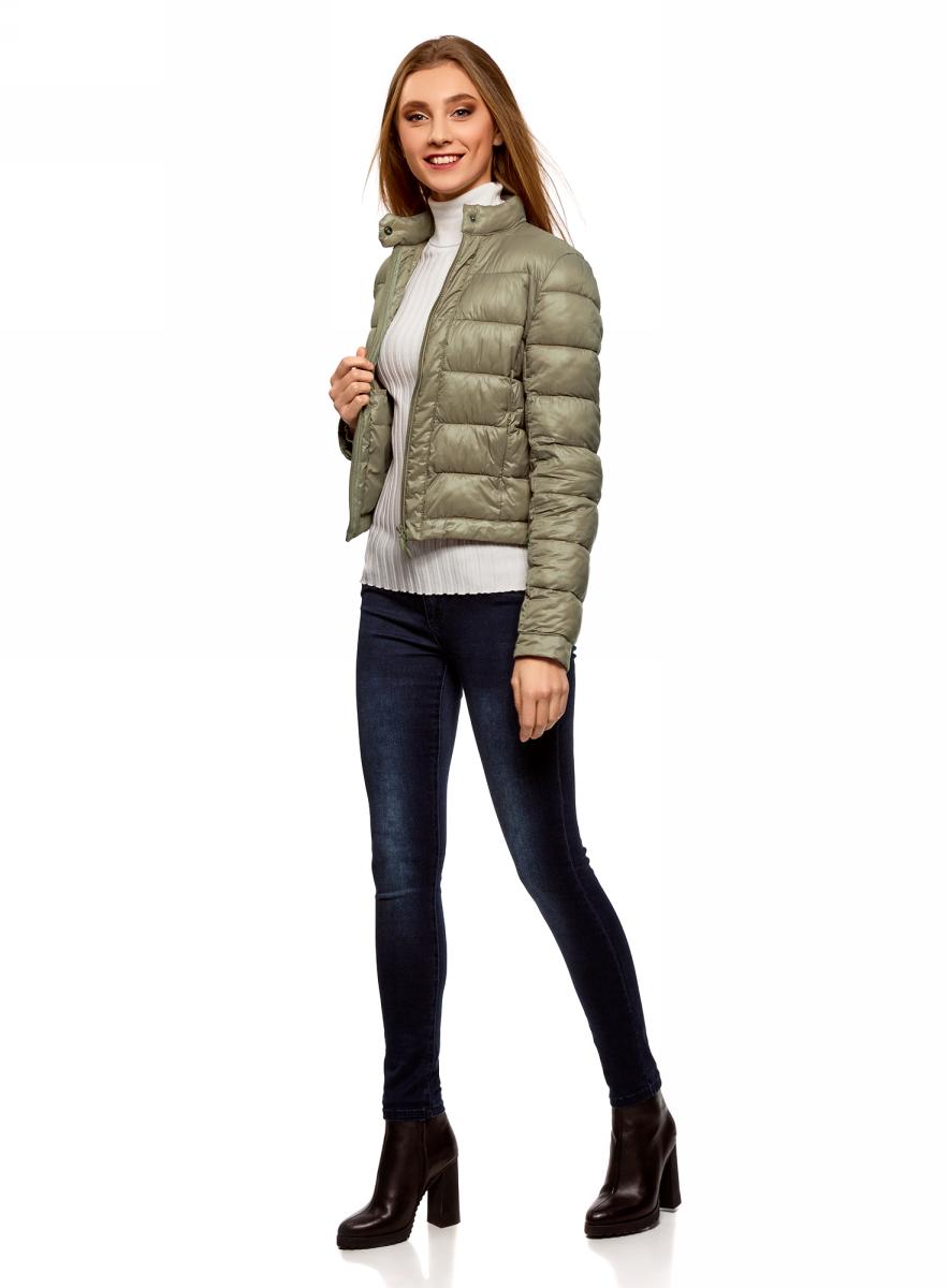 Куртка женская oodji Ultra, цвет: зеленый. 10203038-5B/33445/6600N. Размер 42 (48-170)10203038-5B/33445/6600NКуртка женская oodji Ultra выполнена из полиамида. Модель с длинными рукавами застегивается на застежку-молнию и кнопку.