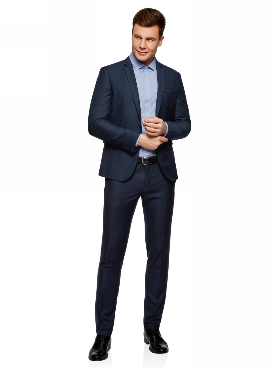 Пиджак мужской oodji Lab, цвет: темно-синий. 2L420216M/47724N/7901O. Размер 48 (48-182)2L420216M/47724N/7901OСтильный пиджак от oodji приталенного силуэта с контрастной отделкой. Модель с аккуратным отложным воротником с лацканами, есть нагрудный карман и боковые карманы с клапанами. Пиджак на подкладке с верхом из приятной на ощупь костюмной ткани, в состав которой входит вискоза. Благодаря вискозе ткань приятна на ощупь и практична. Приталенный пиджак отлично сидит на разных фигурах.Красивый пиджак с контрастной отделкой поможет вам создать стильный деловой или торжественный комплект. Он незаменим для деловых будней или особых мероприятий. Модель прекрасно сочетается и с классическими брюками со стрелками, и с джинсами. Под пиджак можно надеть рубашку, а в прохладную погоду – водолазку. Дополнят наряд ботинки-оксфорды. Этот эффектный пиджак – отличная модель для создания стильных и всегда неповторимых образов.