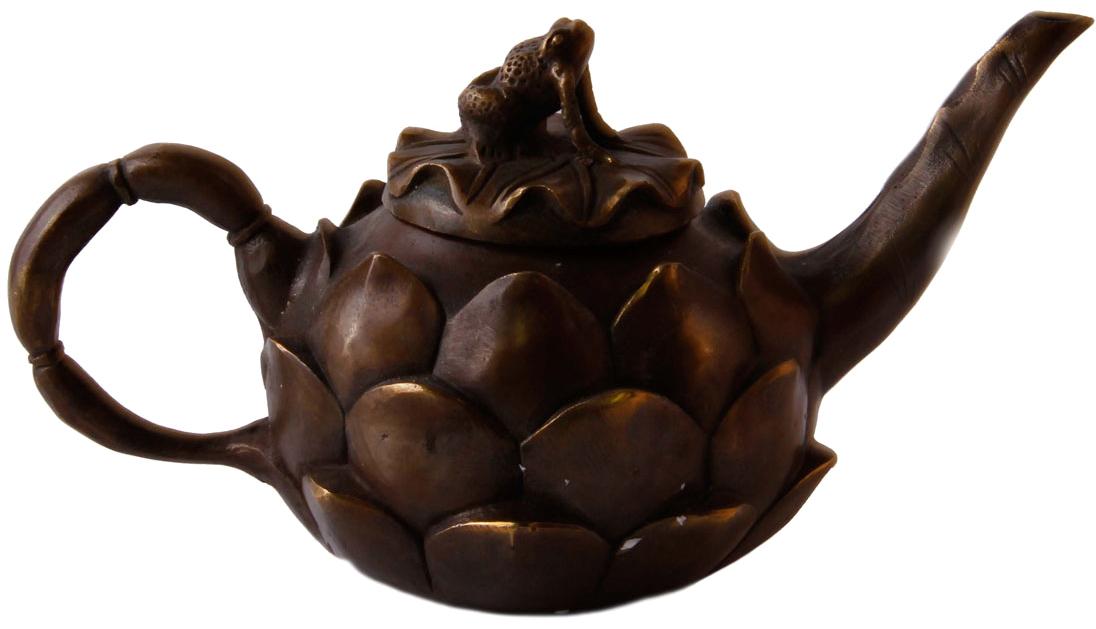 Декоративный чайник Лягушка на лотосе в тибетском стиле. Металл, прочеканка. Китай, вторая половина XX века. китай yixing чайник коллекция h068