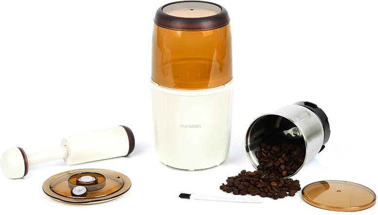 Oursson OG2075/IV, Ivory кофемолкаOG2075/IVБлагодаря высокой мощности и вместительной емкости для помола вы в считанные секунды измельчите необходимый ингредиент. Ощутите всю силу вкуса свежемолотого кофе или специй, и вы сделаете выбор в пользу мультимолки OG2075.Этот прибор создан для настоящих гурманов и ценителей истинных вкусовых и полезных качеств кофе, какао, различных приправ. Имеет вакуумный контейнер для хранения (150гр)Щетка для чистки в комплекте