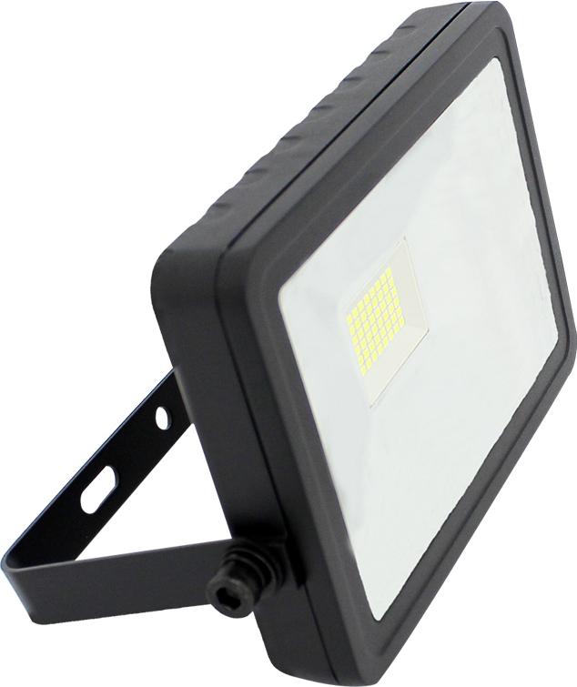 Прожектор светодиодный Beghler, уличный, 30 Вт, 6500K. BT62-03032BT62-03032Прожектор предназначен для наружной и внутренней декоративной и архитектурной подсветки фасадов, стен зданий, памятников архитектуры, деревьев и т.д. Светодиодный прожектор предназначен для работы в сети переменного тока с номинальным напряжением 230В и частотой 50Гц.