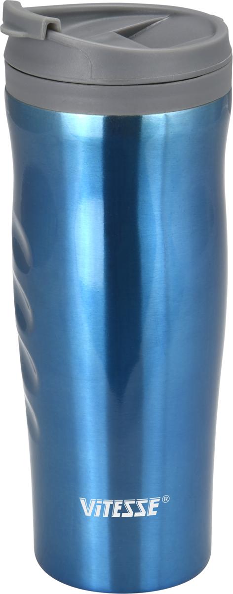 """Термокружка с двойными стенками """"Vitesse"""", выполненная из высококачественной  нержавеющей стали 18/10, оснащена стальной  колбой, которая позволяет налитой жидкости дольше сохранять свою  температуру.  Пластмассовый ободок на крышке  позволяет пить прямо из горлышка без боязни обжечься о горячие стенки колбы.  Широкое горлышко позволит положить внутрь кусочки  льда, чтобы еще дольше сохранить низкую температуру напитка   Сохраняет как тепло, так и холод, в течение нескольких часов.   Защита от протечек.  Термокружка """"Vitesse"""" будет незаменима на пикнике, в офисе и в  автомобильной поездке."""