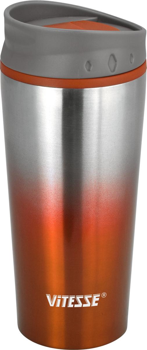 Термокружка Vitesse, цвет: оранжевый, 480 мл. VS-2640VS-2640 Оранж.Термокружка с двойными стенками Vitesse выполнена из высококачественнойнержавеющей стали 18/10.Пластмассовый ободок на крышкепозволяет пить прямо из горлышка без боязни обжечься о горячие стенки колбы.Широкое горлышко позволит положить внутрь кусочкильда, чтобы еще дольше сохранить низкую температуру напитка Сохраняет как тепло, так и холод, в течение нескольких часов. Защита от протечек.Термокружка Vitesse будет незаменима на пикнике, в офисе и вавтомобильной поездке.