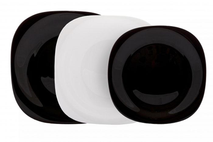 Столовый набор Carine White & Black, 18 предметовD2380Столовый набор Carine White & Black сочетает в себе изысканный дизайн с максимальной функциональностью. Благодаря квадратным тарелкам черного и белого цветов набор выглядит необычно, но в то же время элегантно и торжественно.Набор состоит из 6 больших тарелок, 6 средних тарелок, 6 малых тарелок. Все предметы набора изготовлены из упрочненного декорированного стекла, благодаря чему посуда будет использоваться очень долго, при этом сохраняя свой внешний вид.Практичный и современный дизайн делает набор довольно простым и удобным в эксплуатации. Характеристики: Материал: стекло. Размер обеденной тарелки: 26 см х 26 см. Размер суповой тарелки: 21 см х 21 см. Глубина суповой тарелки:5 см. Размер десертной тарелки: 19 см х 19 см. Размер упаковки: 27 см х 26,5 см х 16 см. Артикул: D2380. Производитель: Франция. На сегодняшний день наборы посуды с фирменным знаком Luminarc являются самыми востребованными везде, даже в самых удаленных уголках нашей планеты. Кухонную посуду Luminarcможно встретить в барах и ресторанах, в гостиницах и офисах, в кафе и домашней кухне. Одно слово Luminarcуже говорит о том, что здесь знают толк в посуде. Французская пословица гласит: Хорошая кастрюля - хороший обед! Эта фраза очень точно передает смысл работы изготовителей посуды Luminarc. Ведь в понятие хороший обед входит не только удобство приготовления пищи, но и эстетическое удовольствие, получаемое от изумительного вида подаваемых блюд. Поэтому все без исключения наборы посуды, создаваемые этой великолепной фирмой, безусловно, удовлетворяют запросам самого взыскательного покупателя.