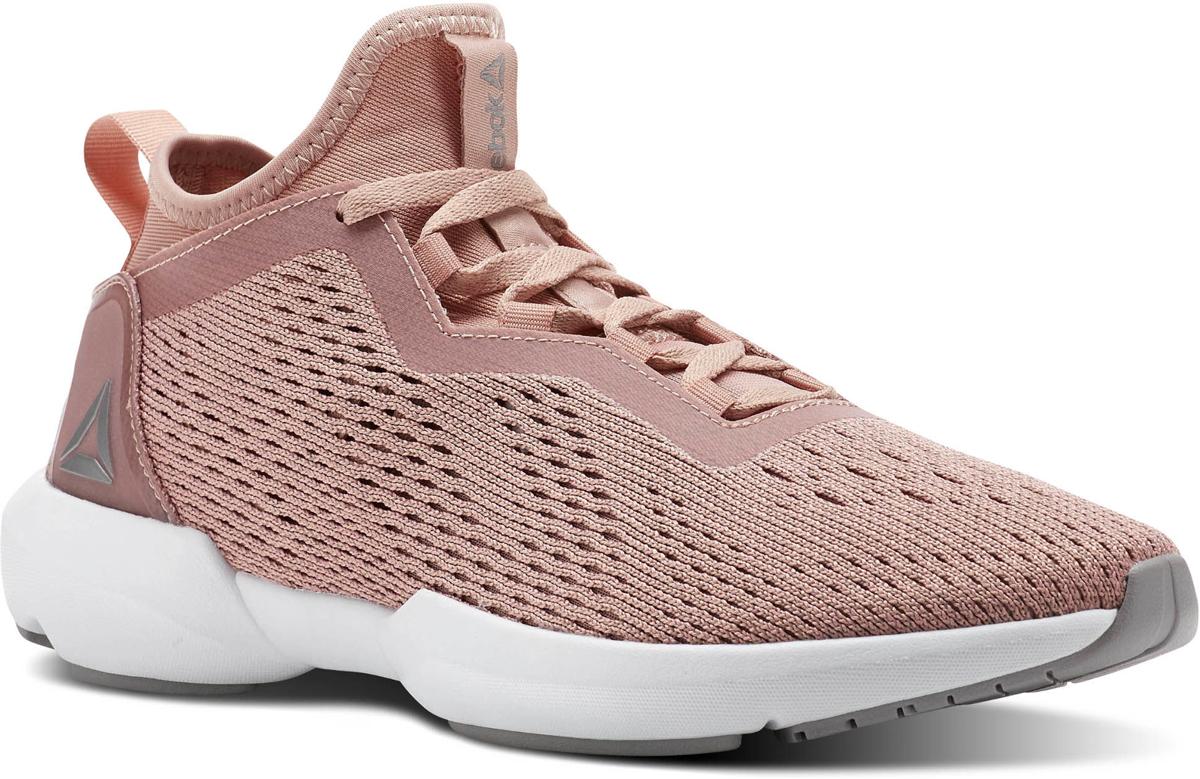 Кроссовки для бега и тренировок женские Reebok Plus Running 2.0, цвет: розовый. CN1082. Размер 6,5 (37)CN1082Легкие и удобные кроссовки с дышащим текстильным верхом. Форма подошвы эффективно распределяет нагрузку, а промежуточная подошва из ТПУ улучшает устойчивость. Углеродистая резина в передней и задней частях подошвы обеспечивает уверенное сцепление с поверхностью, а гибкие желобки в области мыска делают кроссовки отличным выбором не только для бега, но и для универсальных тренировок.