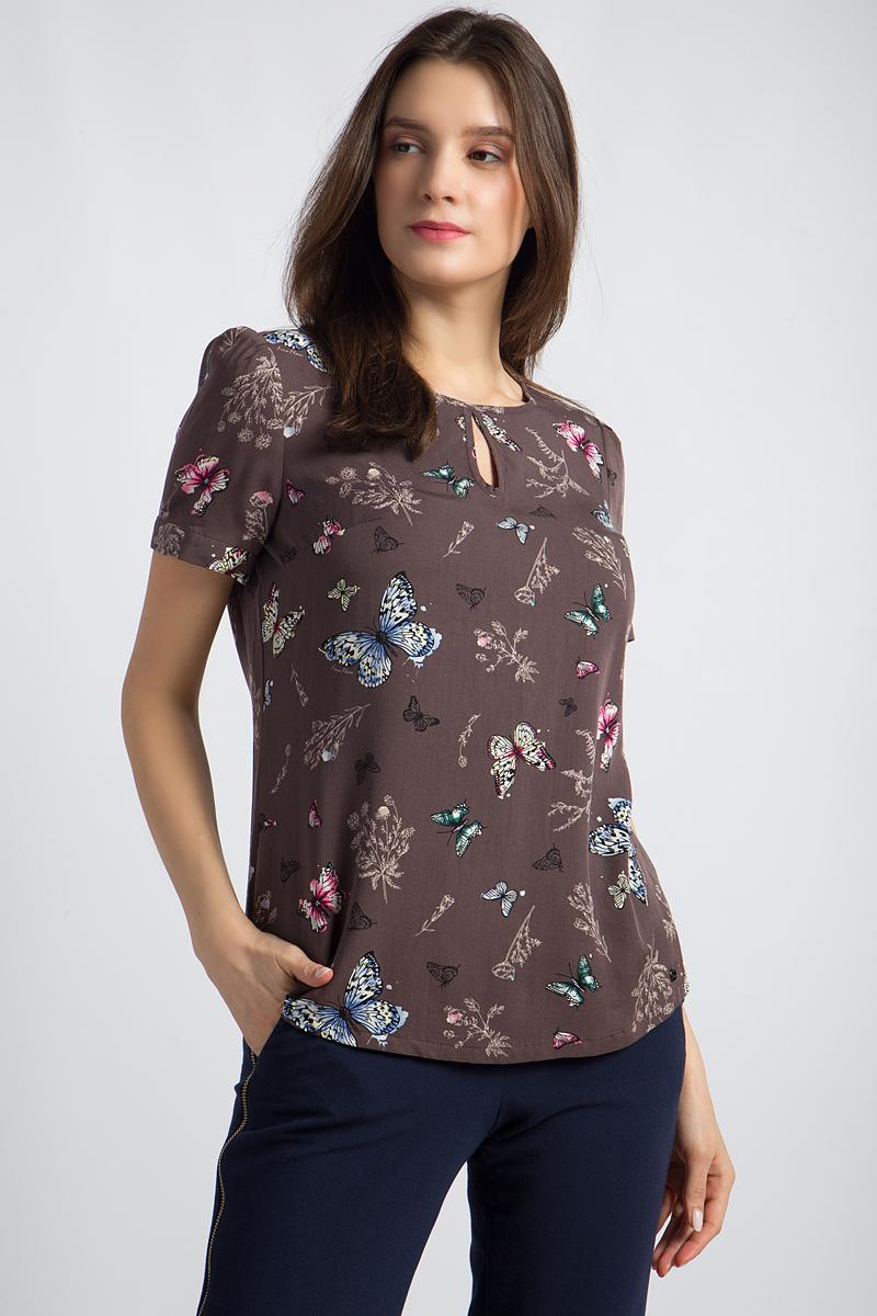 Блузка женская Finn Flare, цвет: коричневый. B18-12085. Размер L (48)B18-12085Эта стильная блузка от Finn Flare с круглым горлом и вырезом капелькой впереди - великолепное дополнение вашего гардероба. Прямой крой и короткие рукава делают эту модель удобным спутником на каждый день, а романтичный принт привлекает взгляды. Подол блузки немного закруглен и дает простор для различных модных сочетаний.