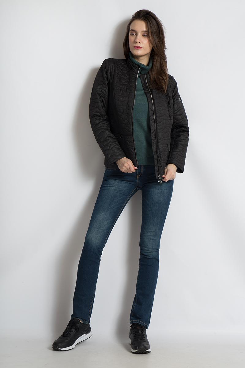 Куртка женская Finn Flare, цвет: черный. B18-11014. Размер XL (50)B18-11014Эта короткая утепленная куртка от Finn Flare подкупает своим оригинальным стеганым узором, а приталенный крой позаботится о женственном силуэте. Благодаря легкому утеплителю данная модель прекрасно подойдет для демисезона, а застежка-молния надежно защитит в ветреные дни. Классический стиль куртки позволит комбинировать ее со многими вещами вашего гардероба. Небольшой воротник-стойка очень удобен и позволяет носить эту куртку с различными шарфами и шалями.