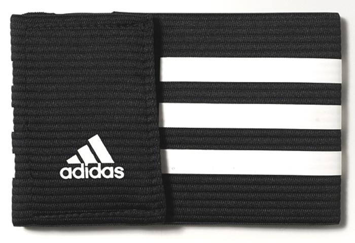 Повязка капитанская Adidas FB Capt Armband, цвет: черныйCF1051Покажи всем, кто стоит во главе команды, с этой официальной капитанской повязкой. Удобная застежка на липучку. Три полоски и большая буква С.Графический принт.