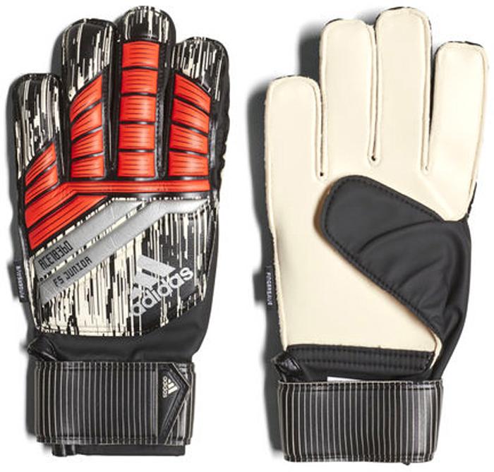 Перчатки вратарские Adidas Pre FS Junor MN, цвет: черный, серый, красный. Размер 8CF1323Футбольные перчатки с внешними швами. Для фанатов Мануэля Нойера. Детские футбольные перчатки с прочным и мягким покрытием из латекса на ладонях. Обеспечивают хорошеесцепление и амортизацию. Крой с наружными швами и защитные пластины Fingersave предохраняют пальцы от разгибания в обратную сторону ипомогает лучше отбивать мяч. Ремешок на запястье украшен именем Мануэля Нойера.Мягкое покрытие Soft Grip Pro из латекса на ладонях обеспечивает хорошее сцепление, амортизацию и надежность при любых погодных условиях. Благодаря специальному крою positive cut с наружными швами перчатки комфортно сидят на руках и отлично подходят футболистам с болееширокими ладонями. Вентилируемые манжеты. Ремешок вокруг запястья для точной подгонки по размеру. Графика и логотип adidas; надпись Manuel Neuer на ремешке. Состав материала: 63% полиэстер, 37% полиуретан.