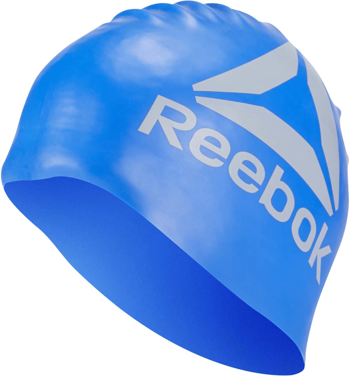 Шапочка для плавания Reebok Swim U Cap, цвет: синий. CW1712CW1712Эта шапочка не только позволит вам с комфортом подготовиться к соревнованиям, но и продемонстрировать всем свою приверженность классическому стилю Reebok. Благодаря эргономичному дизайну и использованному материалу вам гарантирована надежная защита от воды как в бассейне, так и в открытом водоеме.Материал: 100% силикон для защиты от попадания воды.