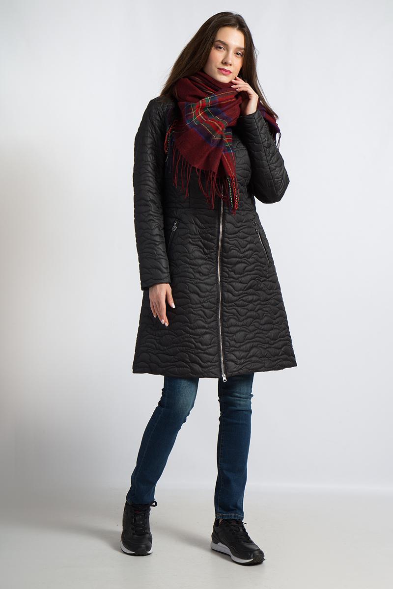 Пальто женское Finn Flare, цвет: черный. B18-11015. Размер XL (50)B18-11015Это пальто от Finn Flare удачно совмещает стиль и функциональность: красивый стеганый узор выглядит очень стильно, в то время как высокий ворот и застежка-молния до подбородка защитят от ветра и непогоды. Благодаря качественному утеплителю эта модель хорошо подойдет для прохладных дней. Приталенный крой с немного расклешенным подолом придает силуэту женственности, а два боковых кармана на молниях завершают образ. Это пальто гарантирует невероятный комфорт во время ваших ежедневных прогулок.