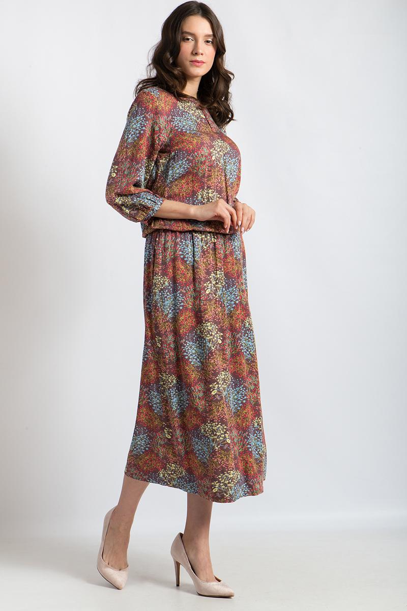 Платье Finn Flare, цвет: коричневый. B18-12081. Размер L (48)B18-12081Легкое женственное платье от Finn Flare станет великолепным дополнением вашего гардероба. Эта модель с круглым воротом и рукавами длиной 3/4 очень удобна. Мягко струящаяся вискоза и оригинальный принт придают всему образу женственный шарм, в то время как талия на резинке позаботится об идеальной посадке.