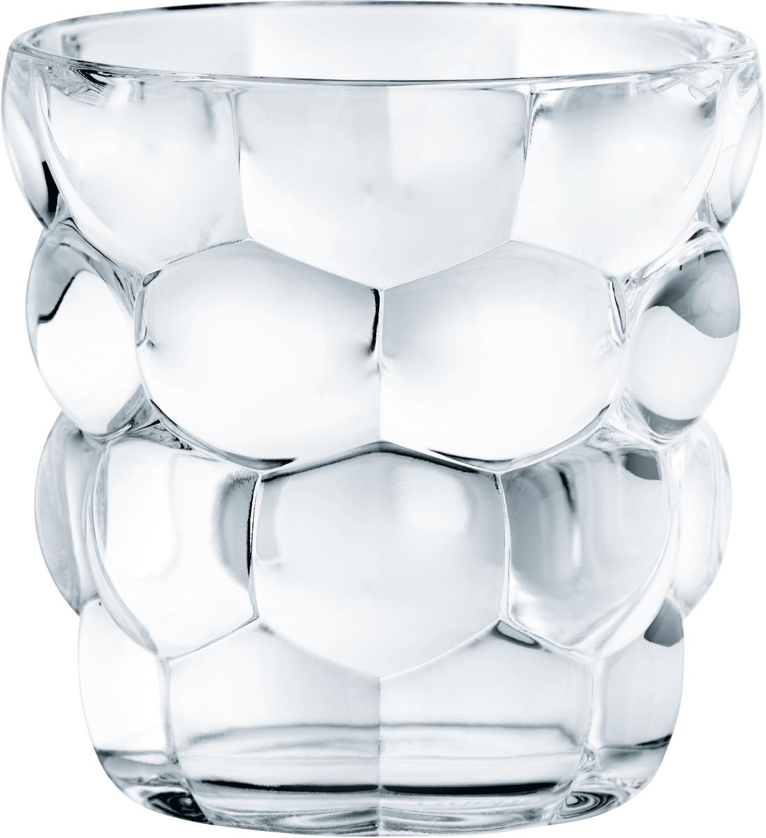 """Набор Nachtmann """"Bubbles"""", выполненный из прозрачного бессвинцового хрусталя с узором  """"пузырьки"""", состоит из четырех стаканов для виски игривой коллекции Bubbles. Рельефная  поверхность стакана приятно ощущается в руке. Такой набор подойдет и для каждодневного  использования и украсит праздничный стол."""