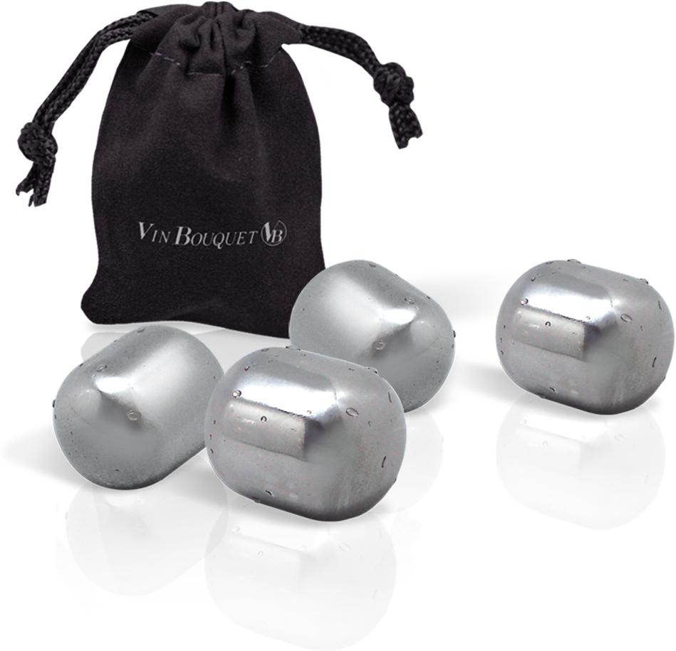 С помощью этих четырех кубиков из нержавеющей стали, вы можете охлаждать свои напитки.  Они абсолютно не влияют на вкус и в отличии от льда не разбавляют жидкость, а только  выполняют свою основную функцию - поддерживая его оптимальную температуру.  Примечание: камни упакованы в бархатный мешочек; изготовлены из специальных  материалов, пригодных для использования в сфере питания.