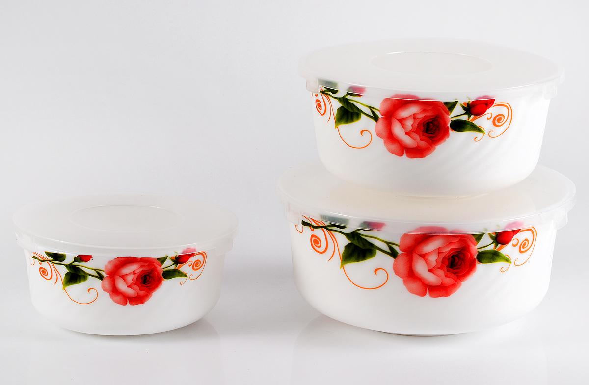 """Набор столовой посуды Olaff  """"Конфетти"""" состоит из 3 салатников.  В набор входят:  - 1 салатник 600 мл,  - 1 салатник 900 мл,  - 1 салатник 1500 мл,  - пластиковые крышки.  Набор продается в красивой подарочной упаковке.  Посуда изготовлена из качественной стеклокерамики."""