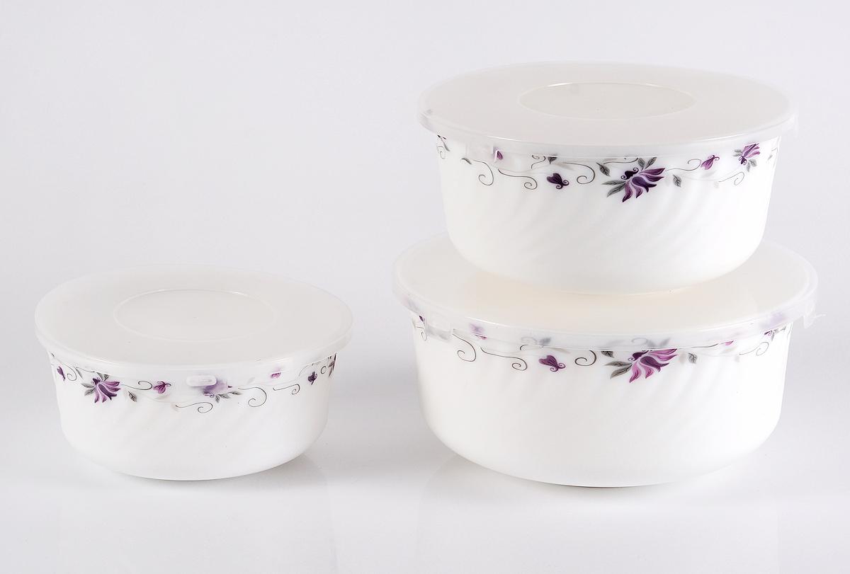 """Набор столовой посуды Olaff  """"Эстелла"""" состоит из 3 салатников.  В набор входят:  - 1 салатник 600 мл,  - 1 салатник 900 мл,  - 1 салатник 1500 мл,  - пластиковые крышки.  Набор продается в красивой подарочной упаковке.  Посуда изготовлена из качественной стеклокерамики."""