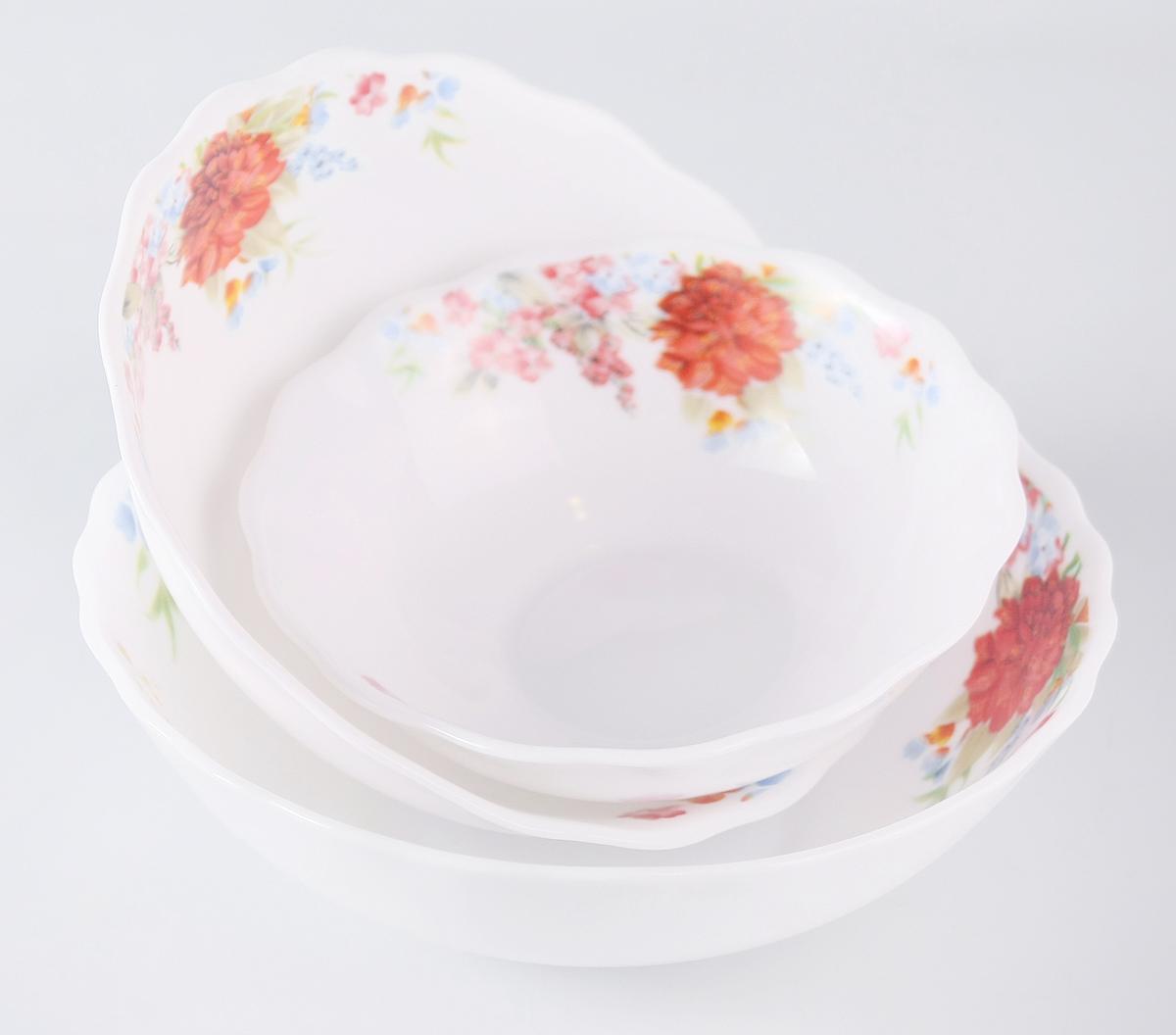 """Набор Olaff """"Наранга"""" состоит из 3 салатников.  В набор входят:  - 1 салатник 300 мл,  - 1 салатник 450 мл,  - 1 салатник 750 мл.  Набор продается в красивой подарочной упаковке.  Посуда изготовлена из качественной стеклокерамики."""