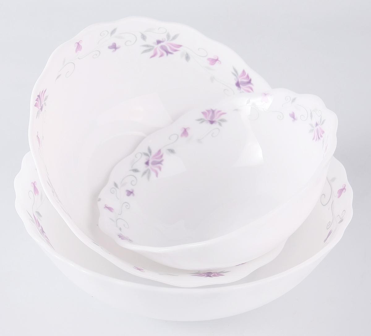 """Набор столовой посуды Olaff  """"Эстелла"""" состоит из 3 предметов.  В набор входят:  - 6 мелких тарелок 175 мм,  - 1 салатник 300 мл,  - 1 салатник 450 мл,  - 1 салатник 750 мл.  Набор продается в красивой подарочной упаковке.  Посуда изготовлена из качественной стеклокерамики."""