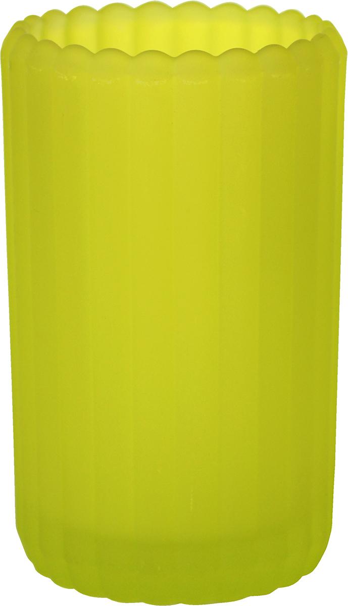 """Подсвечник Duni """"Фростед Патио"""" выполнен из матового стекла, с декоративной обработкой в виде вертикальных полос, предназначен для использования чайных свечей. Такие подсвечники идеально подойдут для сервировки романтического ужина, праздничного застолья, торжественного обеда. Они сделают вашу трапезу  незабываемой и волшебной. Высота подсвечника 125 мм, диаметр 75 мм."""