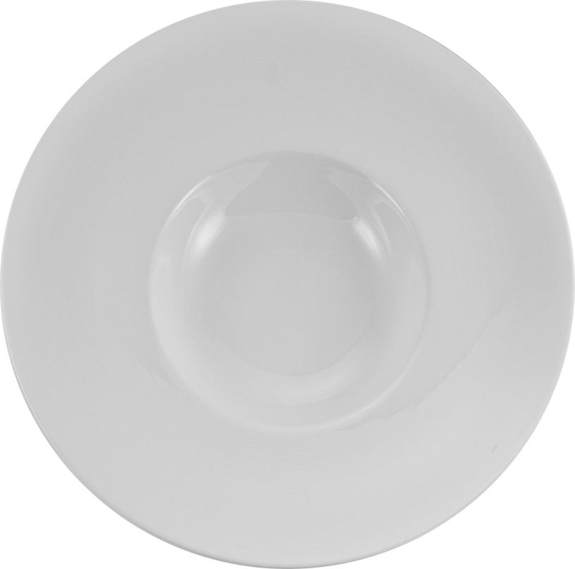 Тарелка для пасты Nikko, диаметр 28 смРП-11700-1428НТарелка для пасты Nikko изготовлена из высококачественного фарфора. Имеет классическийвид, белый базовый цвет. Такая тарелка отлично подойдет к любой сервировке стола.Фарфоровые изделия из Японии маркируются на донышке обозначением CHINA. Made in Japan. CHINA - это международное обозначение высококачественного фарфора, происходящее отискаженного титула китайского императора, владеющего монополией на производство фарфора.Обозначение Bone China соответствует утонченному и изысканному костяному фарфору,популярность которого сейчас высока как никогда. Технология изготовления костяного фарфора многоступенчатая. В фарфоровую массудобавляется костяная мука, что позволяет сделать изделие более прочным итонкостенным.Фарфор фабрики NIKKO на 60% изготавливается ручным способом. Своим чистым белым цветом и прозрачностью японский фарфор завоевал отличную репутацию ипервое место по продажам на мировом рынке.