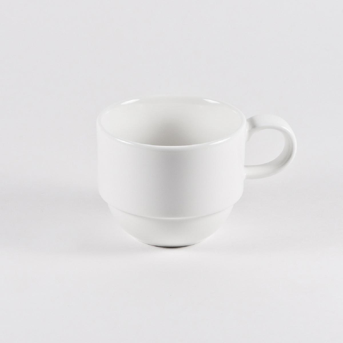 """Чашка чайная Royal Porcelain """"Максадьюра"""" выполнена из высококачественного фарфора.   Нежнейший дизайн и белоснежность изделия дарят ощущение легкости и безмятежности."""