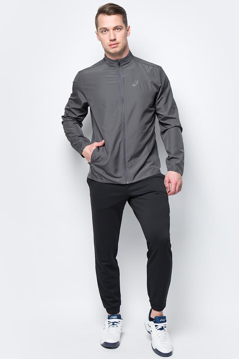 Ветровка мужская Asics Jacket, цвет: темно-серый. 134091-0779. Размер M (46)134091-0779Стильная мужская ветровка для бега Asics Jacket с воротником-стойкой застегивается назастежку-молнию, дополненную защитой подбородка. Изделие защитит вас от ветра и поможетсконцентрироваться на тренировке. На спинке эластичная ткань обеспечивает свободу движений во время тренировки ипревосходную терморегуляцию и воздухообмен. По бокам распложены прорезные карманы назастежках-молниях. Светоотражающие элементы не оставят вас незамеченными в темное времясуток.В этой ветровке вы будете чувствовать себя уверенно и комфортно.