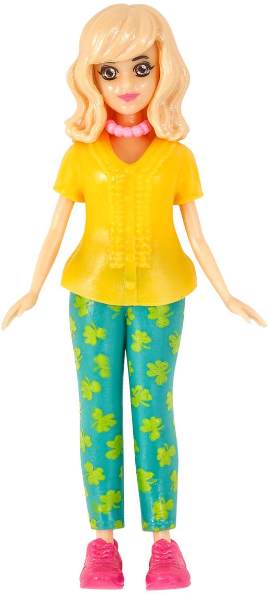 """Любимые игрушки девочек — это куклы. Кроме развлекательной функции, они выполняют незаметную, но значимую роль в процессе становления ребенка — учат строить взаимоотношения и диалоги, помогают понять, что такое дружба, семья, мода, стиль. Под нашим зонтичным брендом Happy Box мы выпустили коллекционный набор с куклами — """"Модные подружки"""" """"Городской стиль"""".В каждом Happy Box — кукла, набор аксессуаров и фруктовая карамель. Кроме того, если повезет, то в наборе можно найти сюрприз — стойку и вешалки.Всего в коллекции 8 фигурок и 16 нарядов. У каждой куклы двигаются руки, ноги и голова. Их легко одевать и раздевать. Одежда комбинируется и подходит любой кукле, что позволяет девочкам создавать свои неповторимые образы.Упаковка Happy Box выполнена в фирменном дизайне с говорящим слоганом """"Что внутри? Посмотри!"""", узнаваемым графическим логотипом и изображением на лицевой стороне упаковки одной из фигурок.Фруктовая карамель, которую ребенок найдет в каждом коллекционном наборе Happy Box, изготавливается на нашей фабрике """"МАК-Иваново"""" с использованием натуральных ингредиентов."""