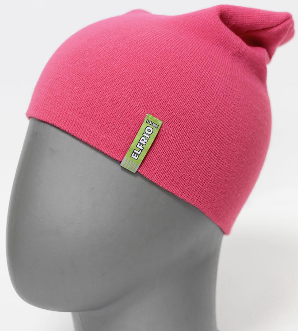 Шапка для девочки Elfrio, цвет: светло-розовый. RFH5713. Размер 55/56RFH5713Шапка для девочки Elfrio отлично подойдет для прогулок в прохладное время года. Изделие, изготовленное из акрила и эластана, максимально сохраняет тепло. Шапка плотно прилегает к голове ребенка, мягкая и приятная на ощупь. Удлиненная модель шапки идеально подходит для любого типа лица. Изделие дополнено небольшой жаккардовой нашивкой с названием бренда. Двухслойную шапку можно носить как с отворотом, так и без. Такая модель будет актуальна как на спортивных мероприятиях, так и в повседневной жизни. Современный дизайн и расцветка делают эту шапку модным и стильным предметом детского гардероба. В ней ребенку будет тепло, уютно и комфортно. Уважаемые клиенты!Размер, доступный для заказа, является обхватом головы.