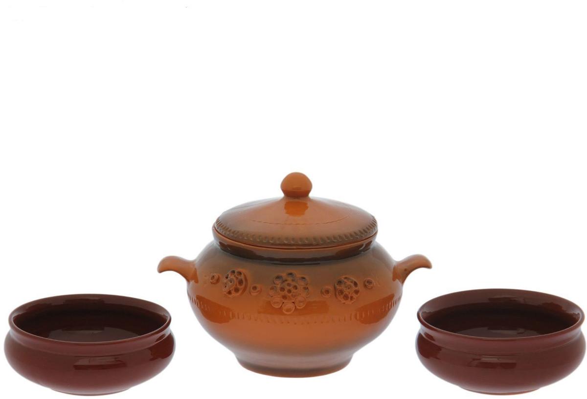 Набор столовой посуды Борисовская керамика Скифский, 3 предметаОБЧ14458171Набор столовой посуды Борисовская керамика Скифский состоит из двух чаш и горшка. Изделиявыполнены из высококачественной глазурованной керамики.Внутреннее и внешнее покрытие изделий изготовлено из экологически чистых природныхматериалов.Такой набор станет отличным подарком и обязательно пригодится в любом хозяйстве.Объем горшка: 2,8 л.Объем чаши: 0,8 л.