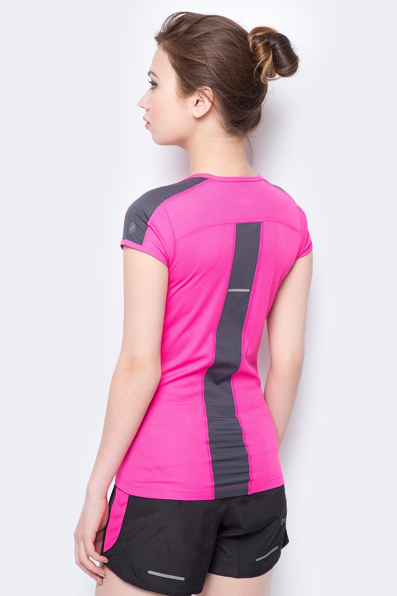 Яркая футболка Asics SS Top, изготовленная из высококачественного материала на основе полиэстера, станет лучшим спутником во время бега.  Модель приталенного кроя с круглым вырезом горловины имеет комфортные швы, которые не натирают кожу. Материал изделия превосходно отводит влагу от тела и обеспечивает циркуляцию воздуха.
