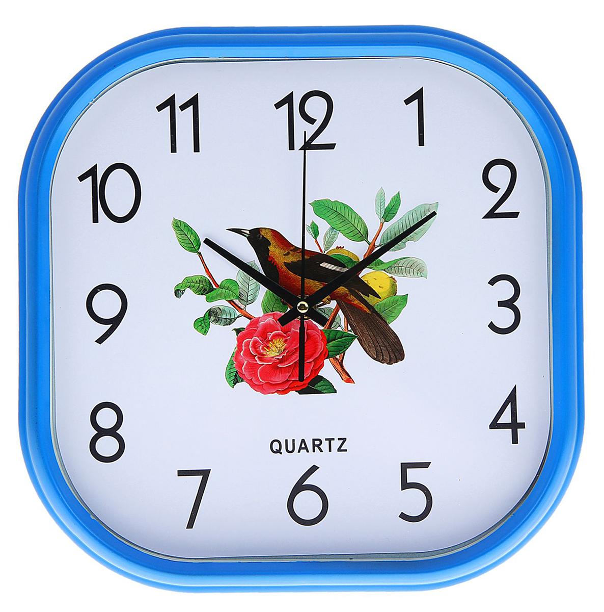 Часы настенные Соловей, 30 х 30 см1104449Каждому хозяину периодически приходит мысль обновить свою квартиру, сделать ремонт, перестановку или кардинально поменять внешний вид каждой комнаты. Часы настенные Соловей на ветке, квадратные с закругленными углами, 30 ? 30 см, синяя рама — привлекательная деталь, которая поможет воплотить вашу интерьерную идею, создать неповторимую атмосферу в вашем доме. Окружите себя приятными мелочами, пусть они радуют глаз и дарят гармонию.Часы настенные синяя оправа Соловей 30х30х5,5 см 1104449